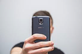 Picture of a smart phone.